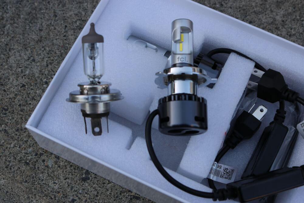 ワゴンRのヘッドライトをLED化_純正とLEDバルブの比較