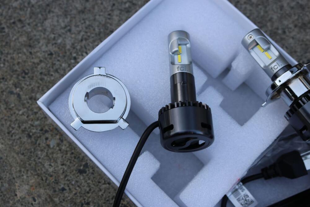 ワゴンRのヘッドライトをLED化_LEDの台座取り外し