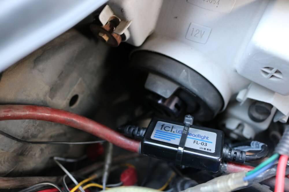 ワゴンRのヘッドライトをLED化_タイラップで配線を固定