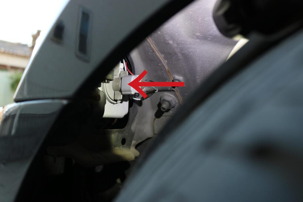 ワゴンRのウィンカーをLED化_ウィンカーソケット