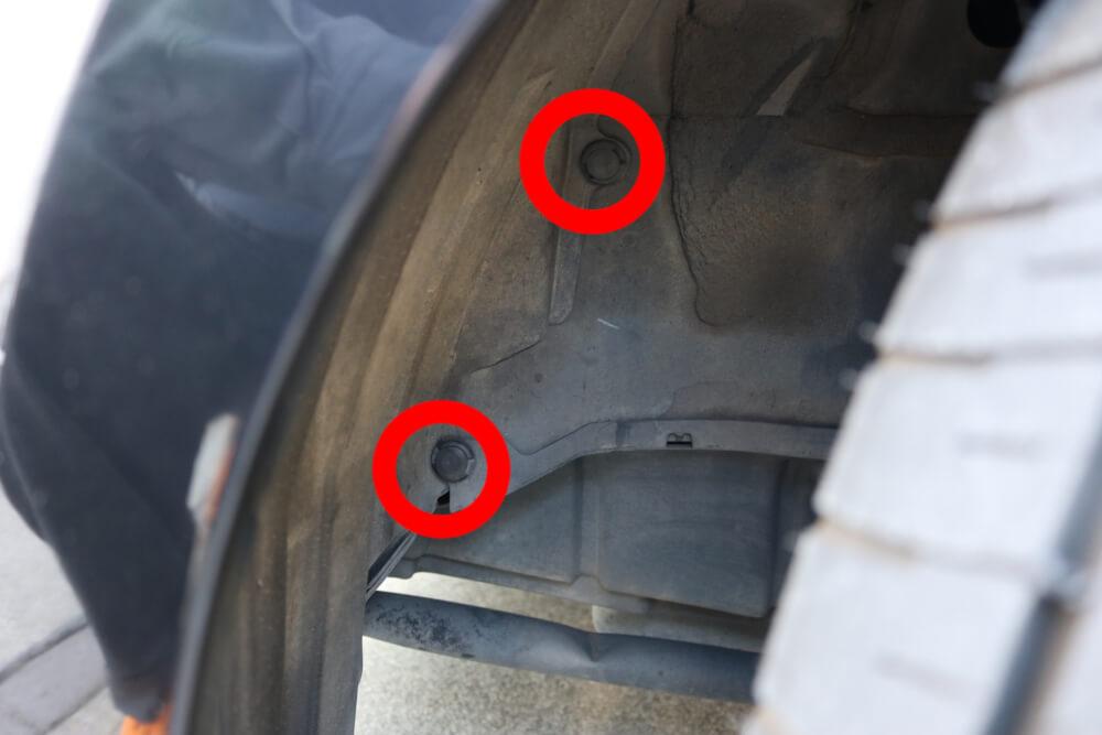 ワゴンRのウィンカーをLED化_インナーフェンダー