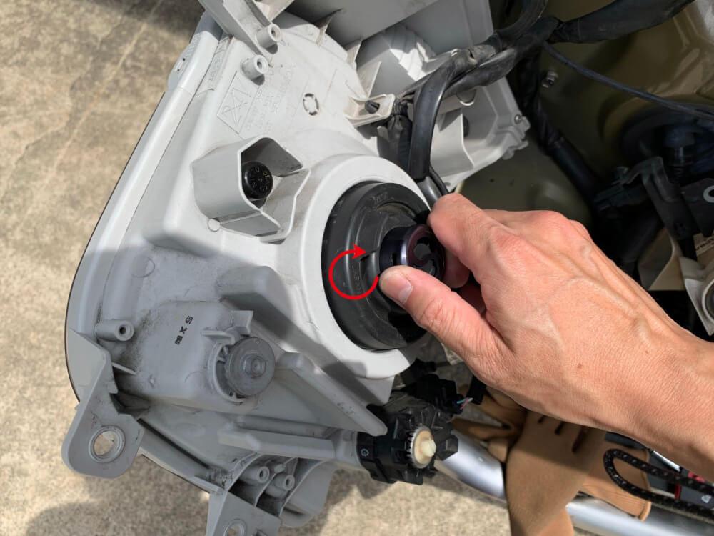 ハイゼットカーゴ S331V ヘッドライトをLED化_LEDヘッドライト取付