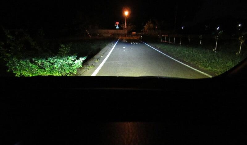 路面照射(ロービームとLEDフォグ)