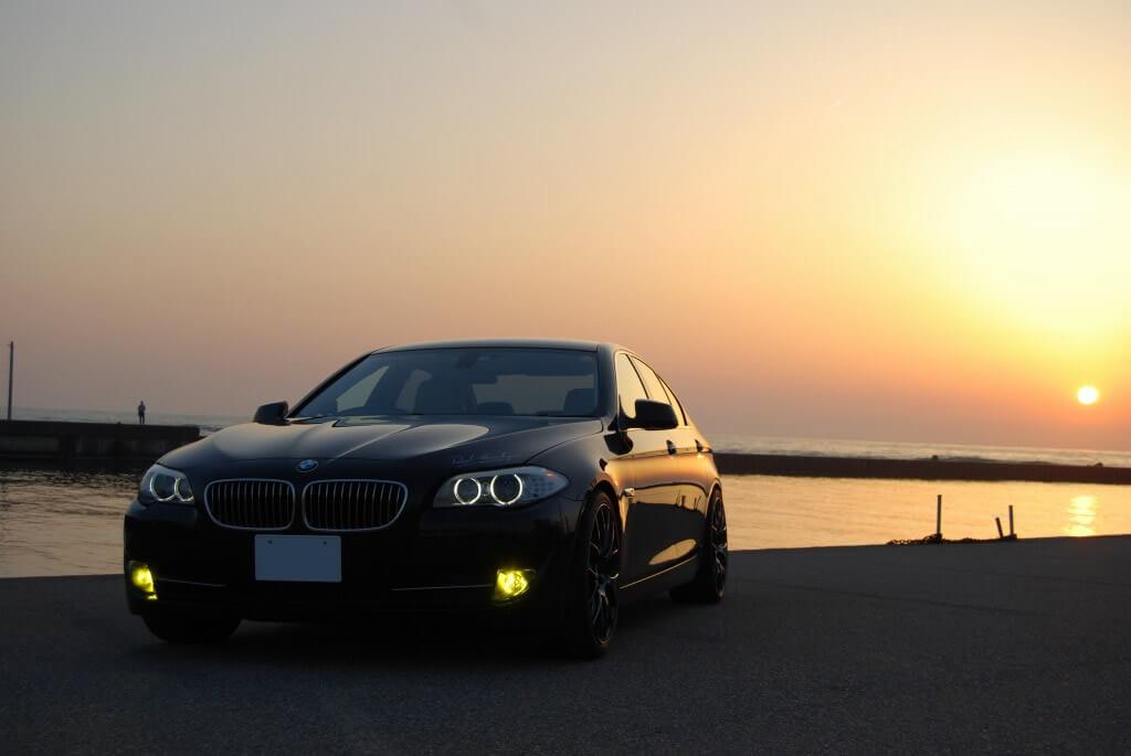 BMW 523i LEDフォグランプの点灯