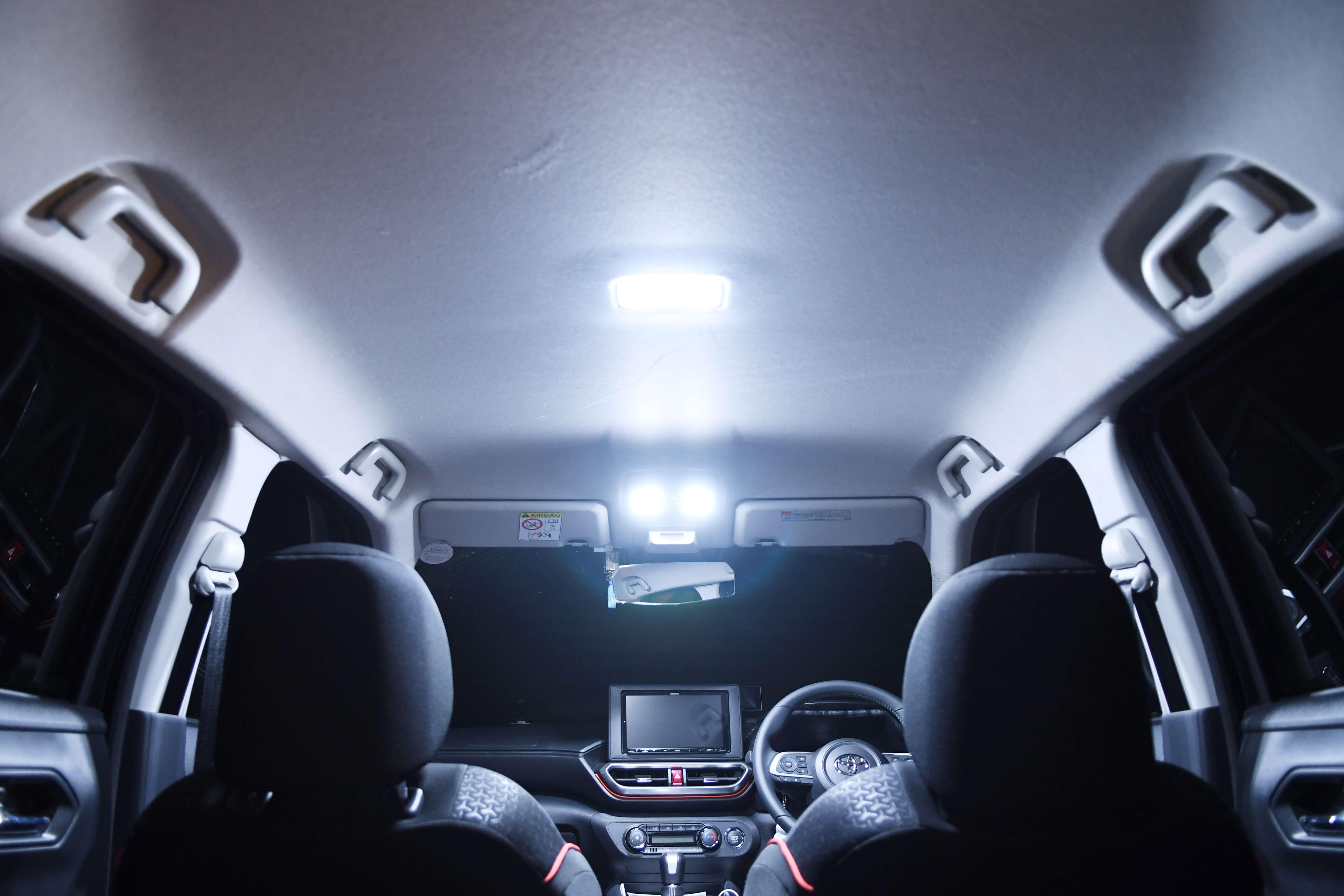 交換後 LEDルームランプ点灯