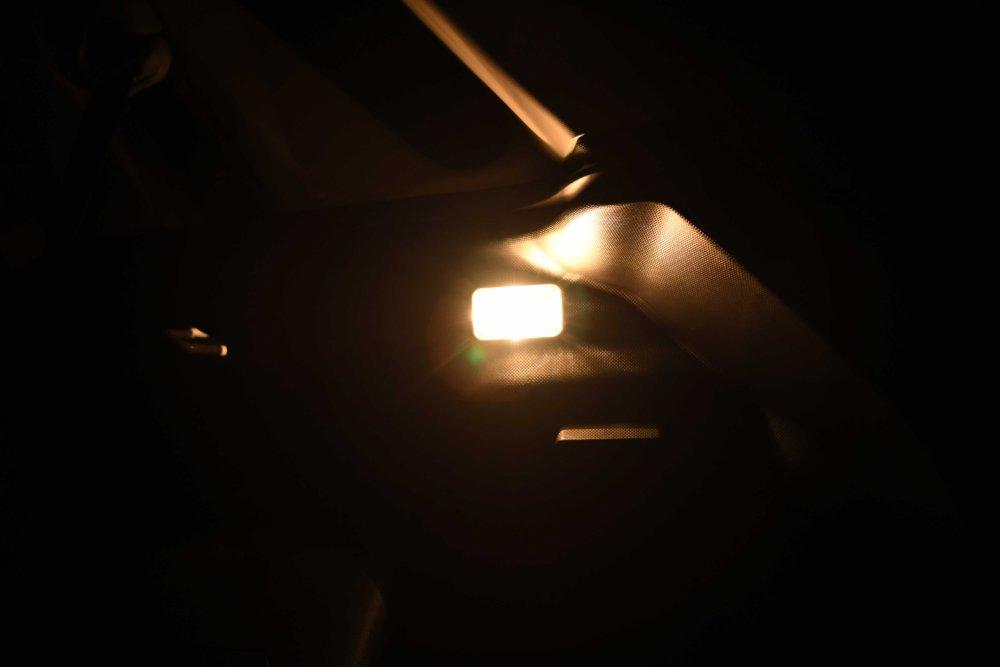 交換前 純正ランプ点灯