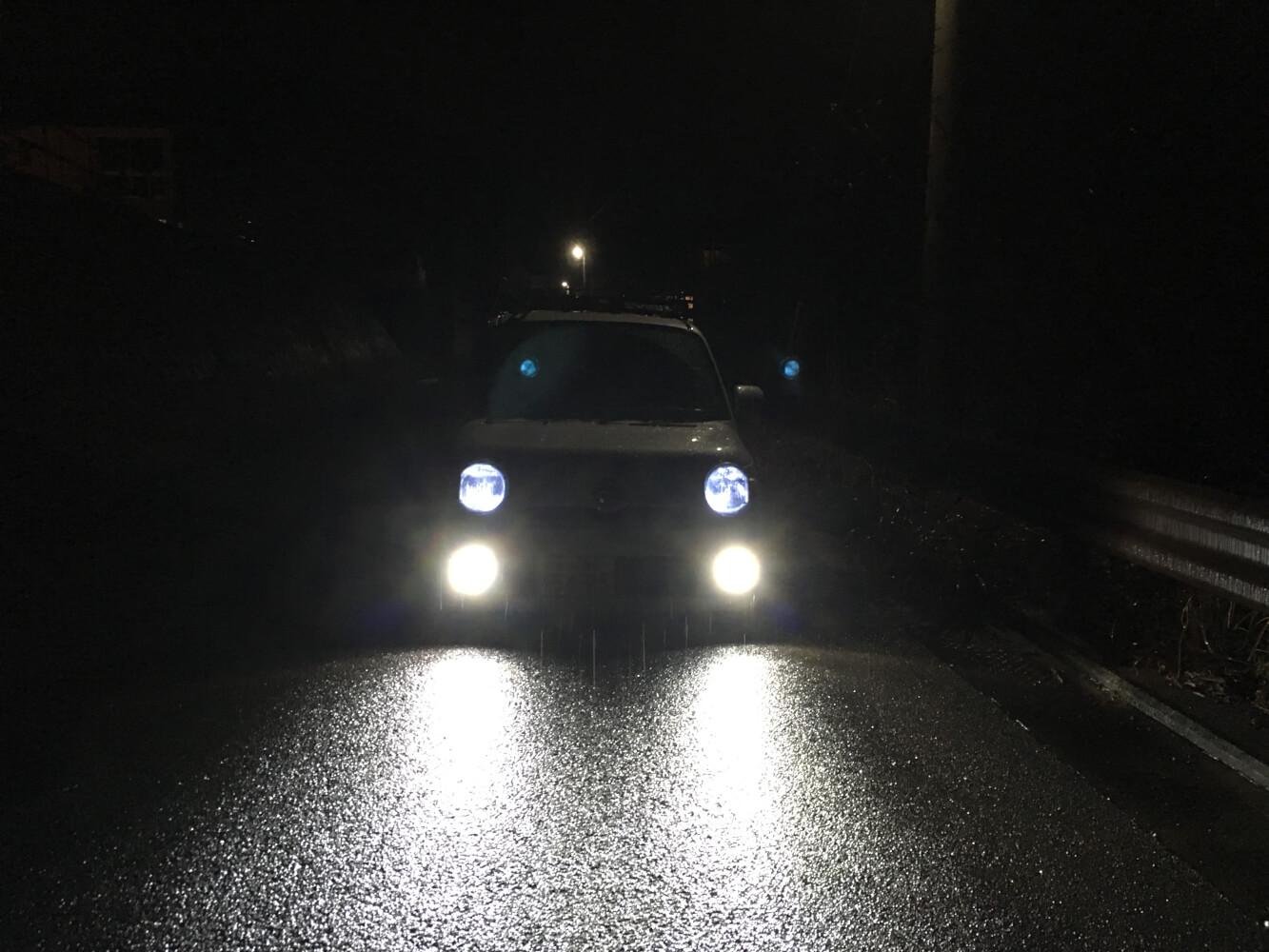 LEDバルブ ホワイト色の点灯