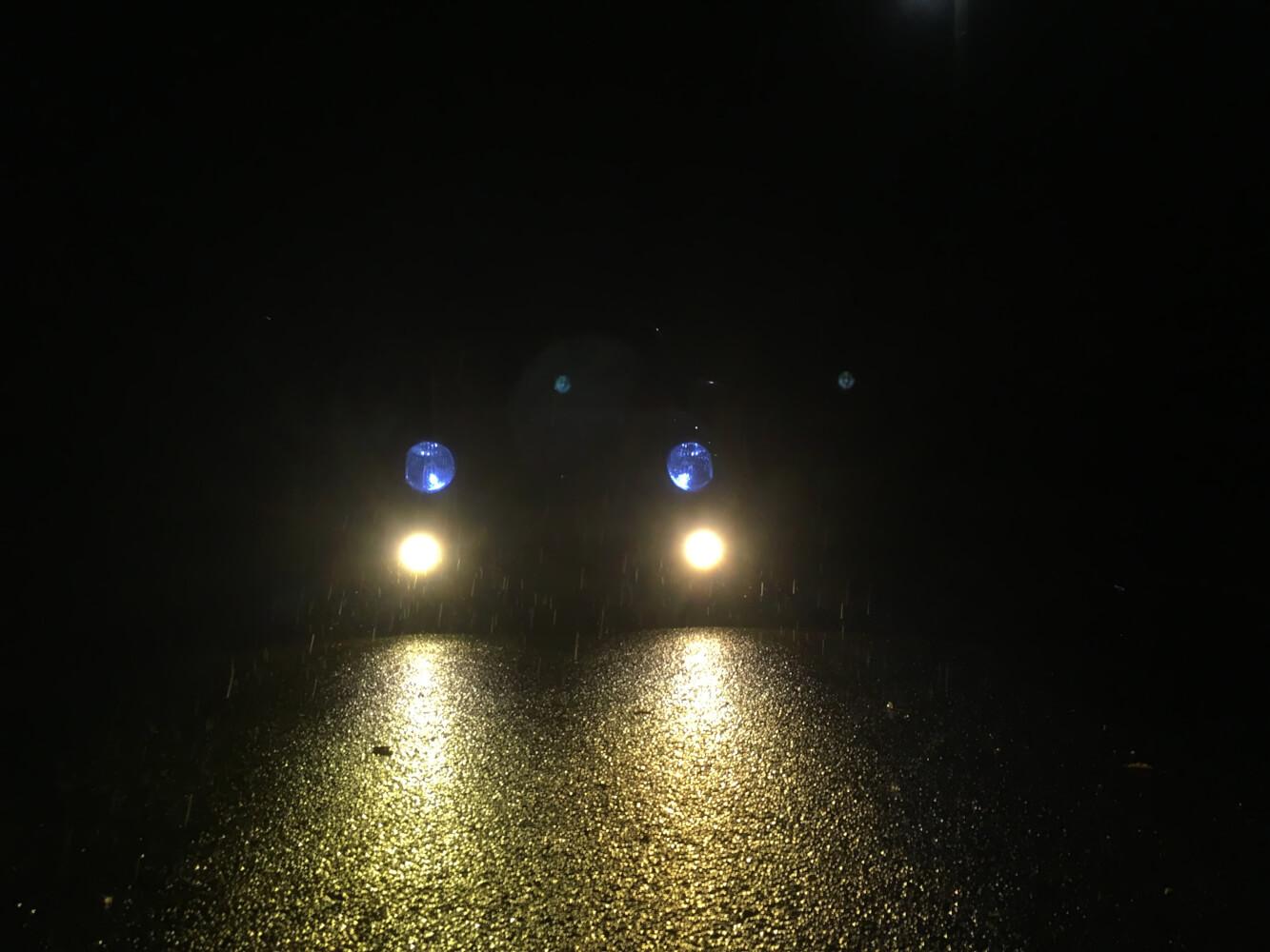 HID 3000ケルビンの点灯照射